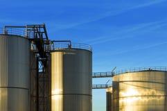 De silo's van het roestvrij staal Stock Fotografie