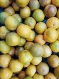 De sinaasappel is een fruit voor het worshiping van de beelden van Boedha en heilige dingen van Chinese afdaling ter gelegenheid  royalty-vrije stock fotografie