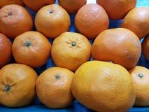 De sinaasappel is een fruit voor het worshiping van de beelden van Boedha en heilige dingen van Chinese afdaling ter gelegenheid  stock foto