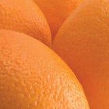 De sinaasappelen, oranje vruchten pellen textuur macroclose-up gedetailleerde die studio van geweven patroonachtergrond wordt ges Royalty-vrije Stock Foto
