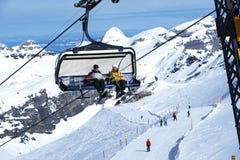 Skiën-lift Royalty-vrije Stock Afbeeldingen