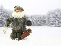 De skiër van de Kerstman stock afbeelding