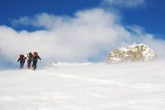 De skiërs van Backcountry Stock Fotografie