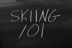 101 de ski sur un tableau noir Images stock