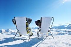 De ski van Apres bij bergen Stock Foto's