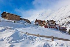 De skitoevlucht Obergurgl Oostenrijk van de berg Stock Fotografie