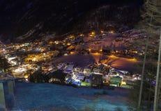 De skitoevlucht Solden Oostenrijk van bergen bij zonsondergang Royalty-vrije Stock Foto's