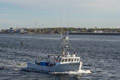 De Slaaf Driver die van de zeekreeftboot naar haven terugkeren royalty-vrije stock foto's
