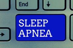 De Slaap Apnea van de handschrifttekst Concept die de tijdelijke onderbreking van ademhaling betekenen tijdens slaap het Snurken royalty-vrije stock foto's