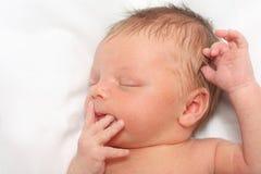 De slaap Pasgeboren Jongen van de Baby Royalty-vrije Stock Afbeeldingen