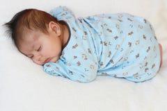 De slaap van de baby stock afbeeldingen
