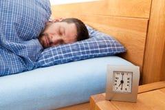De slaap van de mens Royalty-vrije Stock Afbeeldingen
