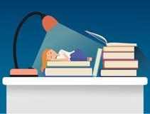 De slaap van het meisje op boeken Stock Foto's