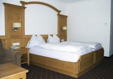 De slaapkamer van het hotel stock foto