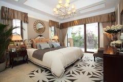 De slaapkamer van het luxehuis Royalty-vrije Stock Foto