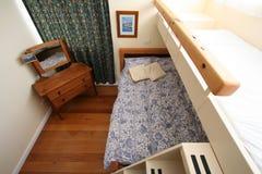 De Slaapkamer van het stapelbed Stock Foto's