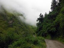 De Sleep van de Annapurnakring in Groen Himalayagebergte tijdens Moesson royalty-vrije stock fotografie