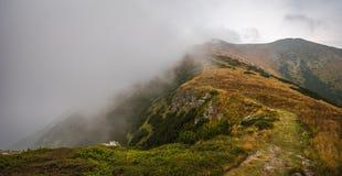 De sleep van de wandeling in de bergen Royalty-vrije Stock Afbeelding