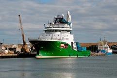 De Sleepboot van de olie op het zuiden Esk van de Rivier royalty-vrije stock afbeelding