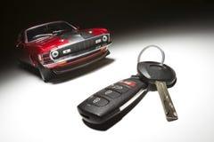 De Sleutel en de Sportwagen van de auto royalty-vrije stock fotografie