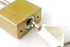 De sleutel van het huisslot royalty-vrije stock afbeelding