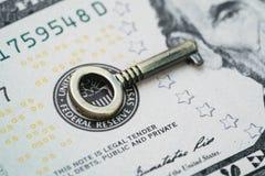 De sleutel voor wereld en de economie van Verenigde Staten, het EOF overweegt rente r royalty-vrije stock afbeelding