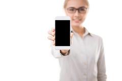 De Slimme Telefoon van de Holding van de vrouw royalty-vrije stock foto's