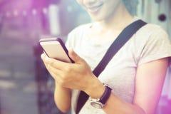 De slimme telefoon van het onderneemstergebruik Royalty-vrije Stock Afbeeldingen