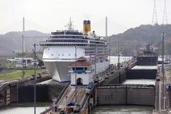 De Sloten van Gatun van het Kanaal van Panama royalty-vrije stock afbeelding
