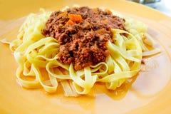 De smakelijke deegwaren-Italiaanse deegwaren van de vleessaus Royalty-vrije Stock Foto