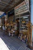 De smala shoppinggatorna i den gamla delen av staden Arkivbilder