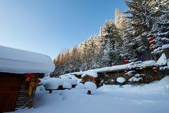 De sneeuw en de bomen van de sneeuwstad van China ` s stock afbeelding