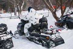De sneeuw van de winterauto's mobiles royalty-vrije stock foto