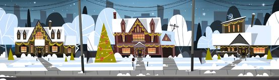 De Sneeuw van de de Stadsmening van de de wintervoorstad op Huizen met Verfraaide Pijnboomboom, Vrolijke Kerstmis en Gelukkig Nie vector illustratie