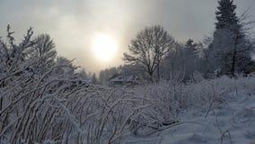 De sneeuw witte Karpacz zet romantisch op Stock Afbeeldingen