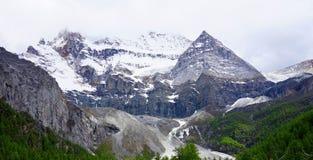 De Sneeuwberg van Daocheng Royalty-vrije Stock Afbeeldingen