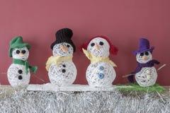 De sneeuwmannen van de de ambachtenopen haard van Kerstmisdecoratie Stock Fotografie