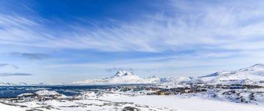 De sneeuwpanorama van de Nuukfjord Stock Afbeeldingen
