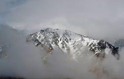 De sneeuwpieken van de Kaukasus Royalty-vrije Stock Fotografie