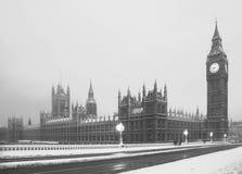 De sneeuwscène Lodon van de Big Ben stock afbeelding