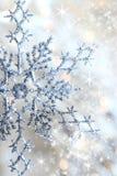 De sneeuwvlok en de sterren van de close-up o Royalty-vrije Stock Foto