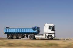 De snelheid van de vrachtwagen Stock Fotografie