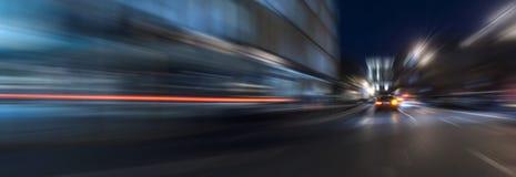 De snelheidsmotie van de nachtversnelling Stock Foto's