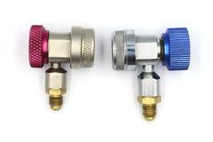 De snelle koppeling bevat r134a-adapter voor koelmiddelentank, ac koppeling, luchtkoppeling stock afbeelding