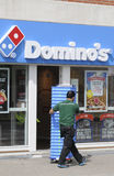 De snelle voedselketen van domino's Stock Fotografie