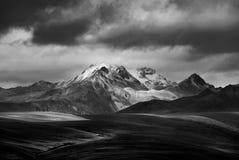 De snow-capped bergen op het plateau Royalty-vrije Stock Fotografie