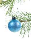 De snuisterij van Kerstmis op achtergrondboom stock afbeeldingen