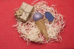 De snuisterijen en de decoratie van Kerstmis Royalty-vrije Stock Afbeelding