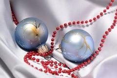 De snuisterijen en de parels van Kerstmis Royalty-vrije Stock Afbeeldingen