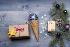 De snuisterijen en de decoratie van Kerstmis Royalty-vrije Stock Foto